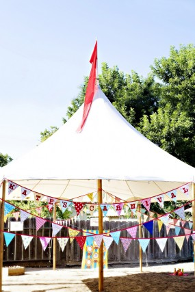 carnival-party-bunting