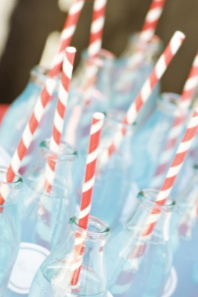 red-striped-party-straws