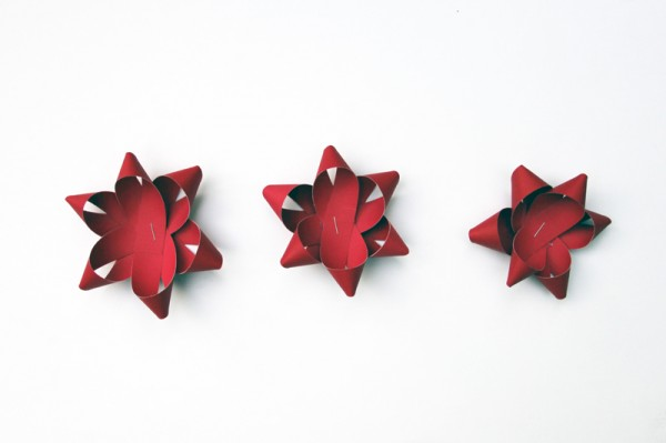 making-christmas-bows
