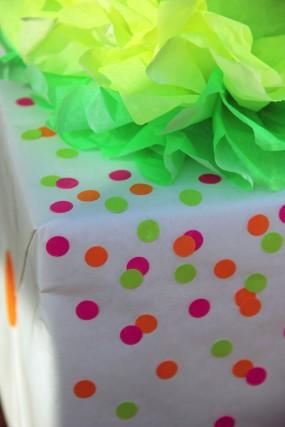 neon-confetti-diy-gift-wrap
