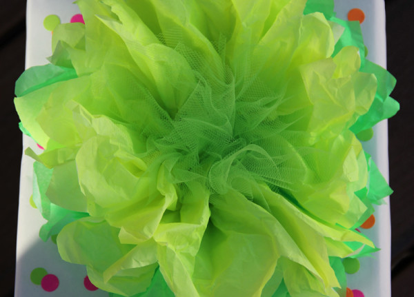neon-diy-gift-wrap-flower