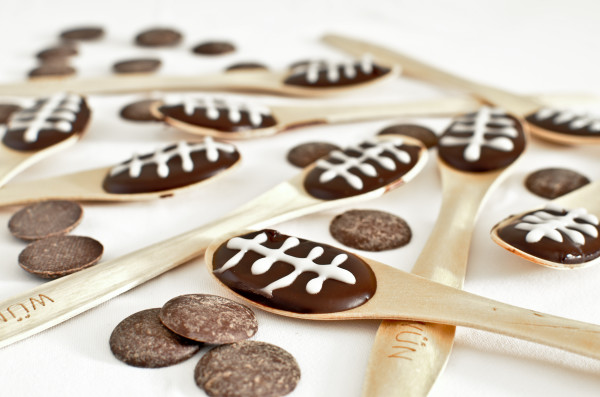 football-chocolate-spoons