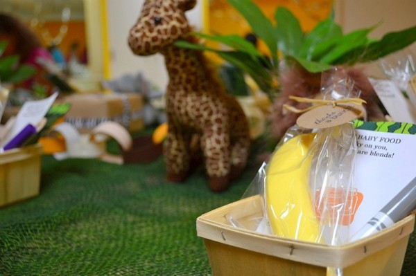 jungle-baby-shower-place-settings