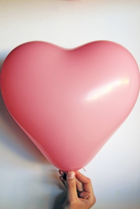 candy-heart-balloons