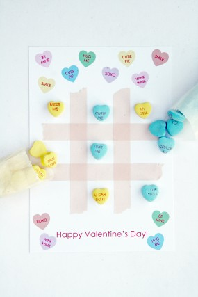 candy-heart-tic-tac-toe