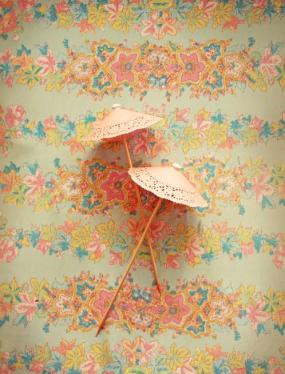 diy-doily-drink-parasols