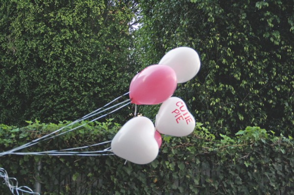 valentines-day-candy-heart-balloon-diy