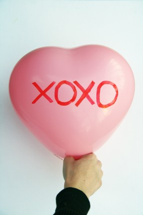 valentines-day-diy-balloons