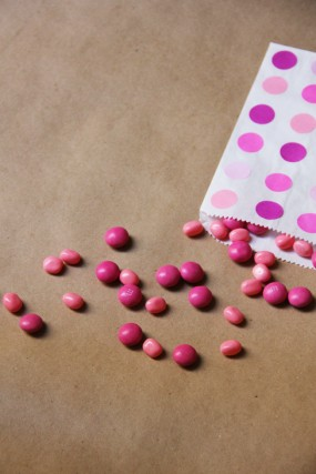 diy-pink-treat-favor-bags