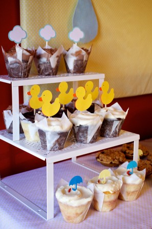 blue-yellow-baby-shower-cupcakes
