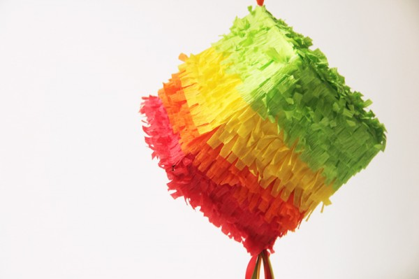 diy-cinco-de-mayo-pinatas