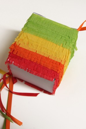 how-to-make-mini-pinatas