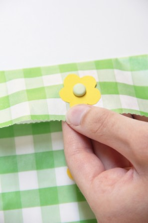 diy-string-closure-envelopes