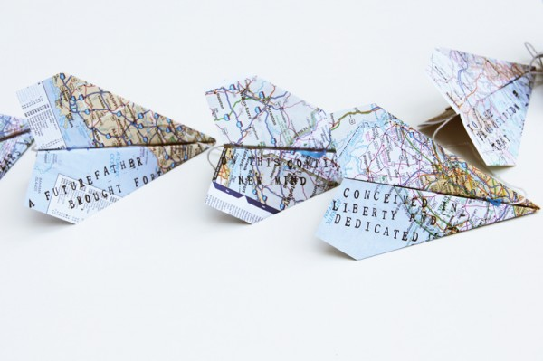 fathers-day-paper-airplane-message-garland