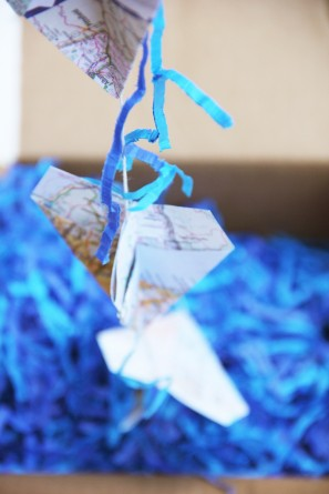 paper-airplane-garland-diy