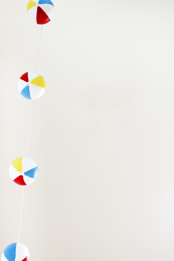 DIY Beach Ball Garland