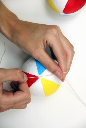 How to Make a Beach Ball Garland