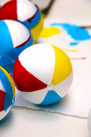 Pool Party Beach Ball Garland DIY