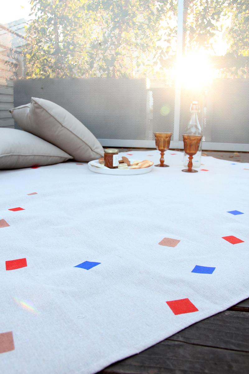 Most Excellent DIY Picnic Blanket 800 x 1200 · 784 kB · jpeg
