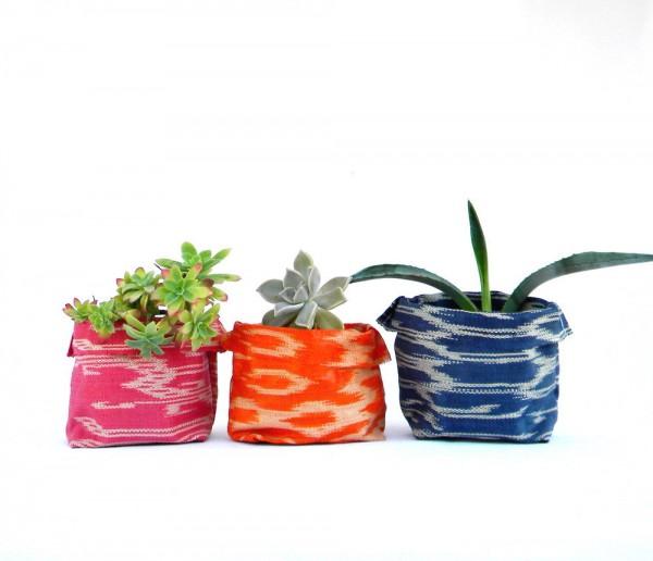 Ikat Flower Baskets by 7100-Islands via Studio DIY