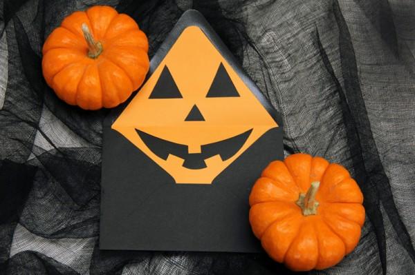 DIY Halloween Jack-o-Lantern Envelope Liners