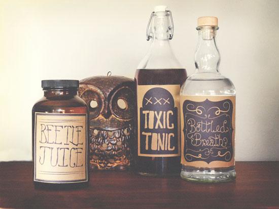 free printables labels for halloween, halloween, etykiety, na słoki, butelki, dekoracje, za darmo, do wydrukowania, pdf, Creepy, bottle,