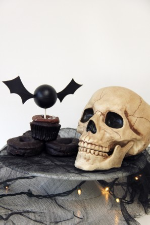 Halloween DIY Bat Cupcake Topper