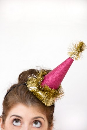 DIY Holiday Glitter Party Hats