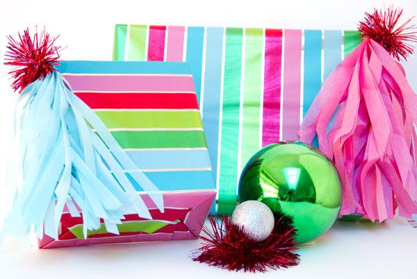 DIY Fringe Tassel Gift Toppers (5)