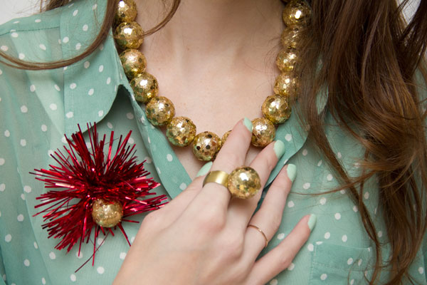 DIY Gold Holiday Baubles
