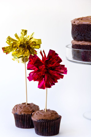 DIY Fringe Mylar Cupcake Toppers