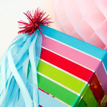 DIY-Fringe-Tassel-Holiday-Gift-Packaging