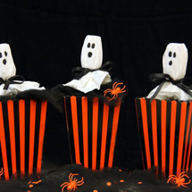 DIY-Ghost-Confetti-Poppers-600x399