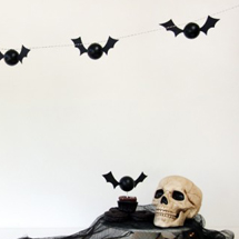 DIY-Halloween-Bat-Garland-600x399