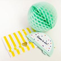 DIY-Honeycomb-Party-InvitationsThumb