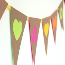 DailyBuzz Style 9×9: DIY Neon + Neutral Bunting