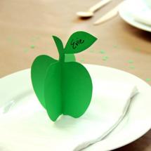 Printable-DIY-3D-Apple-Place-Cards-600x399