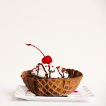 Waffle-Bowl-Mini-Cakes-297x197