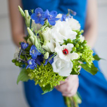 blue-diy-wedding-bouquet-285x427
