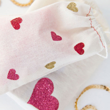 DIY-Glitter-Heart-Bags-for-Valentinesthumb