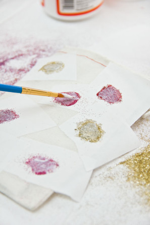 DIY Glitter Heart Valentine's Day Bags