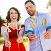 DIY Glitter Valentine's Day Photo Props