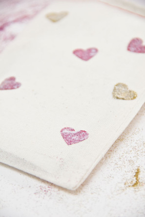 Glitter Heart Bag DIY