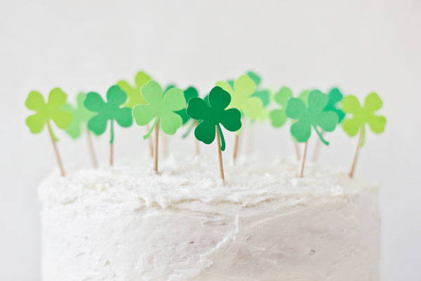 DIY Shamrock Cake Toppers
