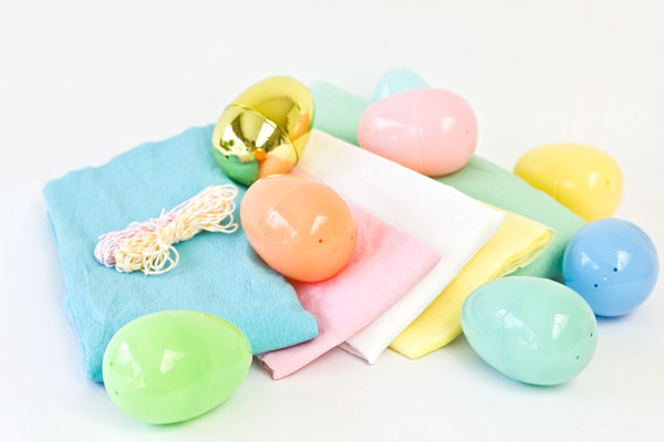 Plastic Egg Poppers