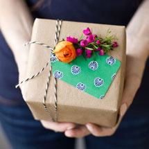 DIY-Fresh-Flower-Gift-Tagthumb