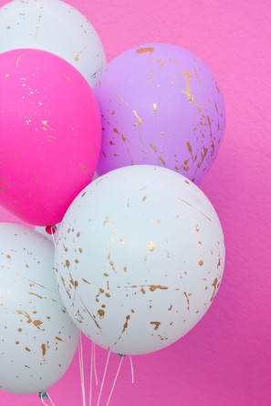 Gold Splatter Paint Balloons