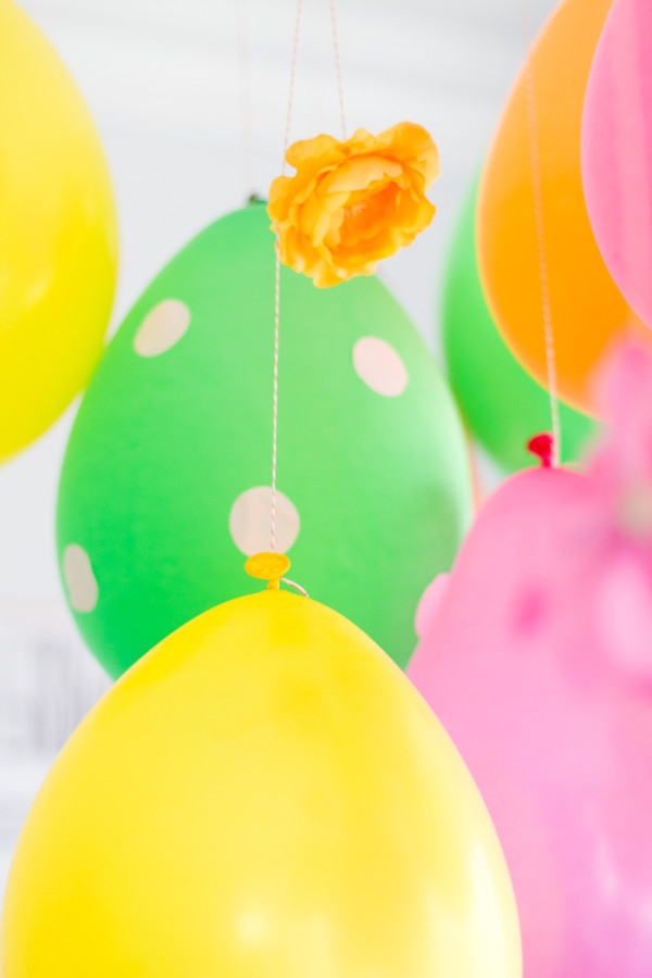 Balloon Ceiling DIY