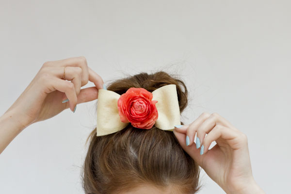 DIY Fresh Flower Bows