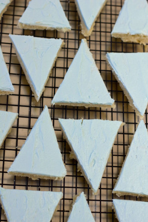 DIY Pennant Flag Cookies Step 2
